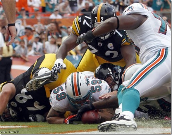 Apparently, the Dolphins didn't recover this fumble